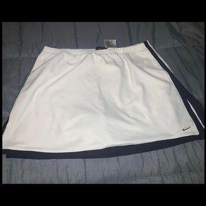 Nike tennis skort